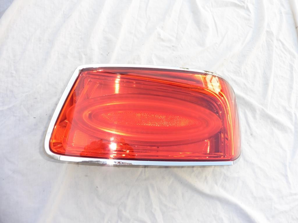 Bentley Continental Flying Spur Rear Right Passenger Taillight 4W0945096J OEM OE