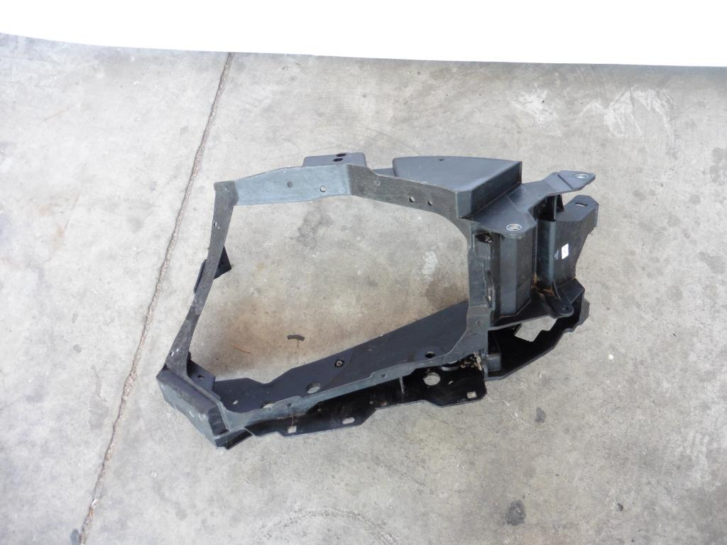 2015 2016 Mercedes Benz W222 S600 Front Right Support Headlight Bracket A2226220219 OEM A1