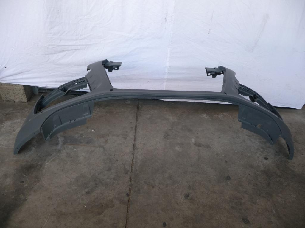 2014 2015 Audi R8 Front Bumper Cover 420807437H OEM OE