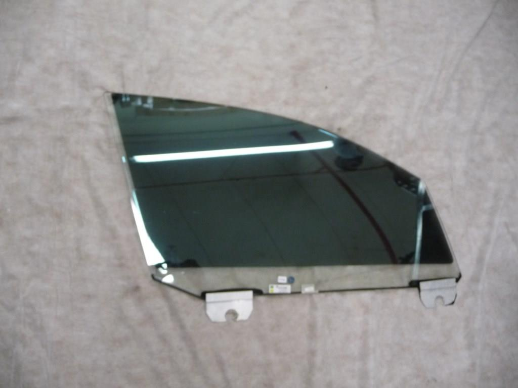 Bentley Continental Flying Spur Front Right Door Window Glass 3W5845022G OEM A1