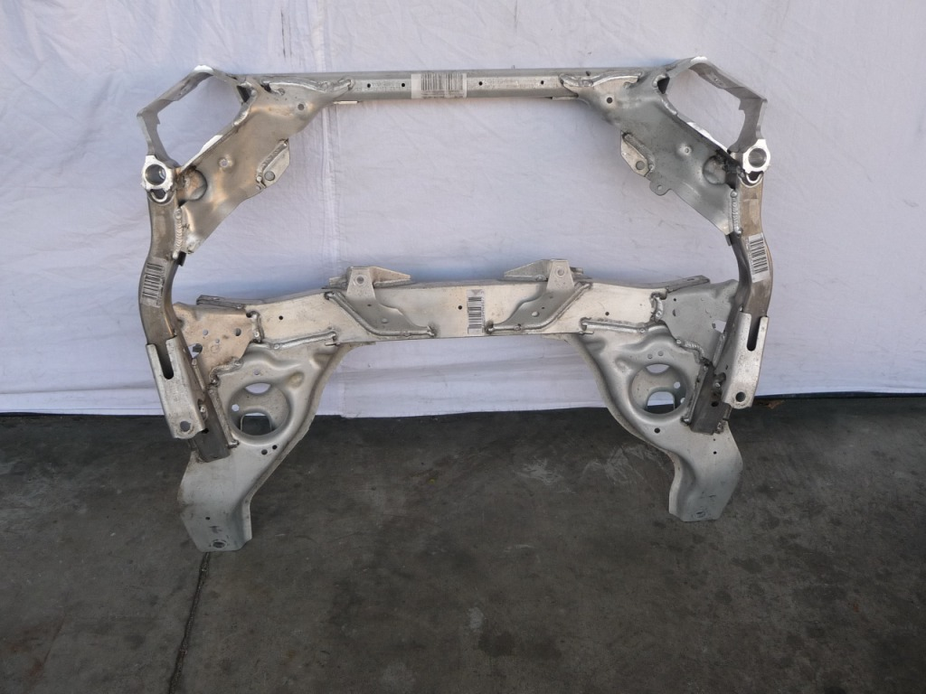 BMW 1 3 Series X1 Front Suspension Subframe Crossmember 31116785639 OEM A1