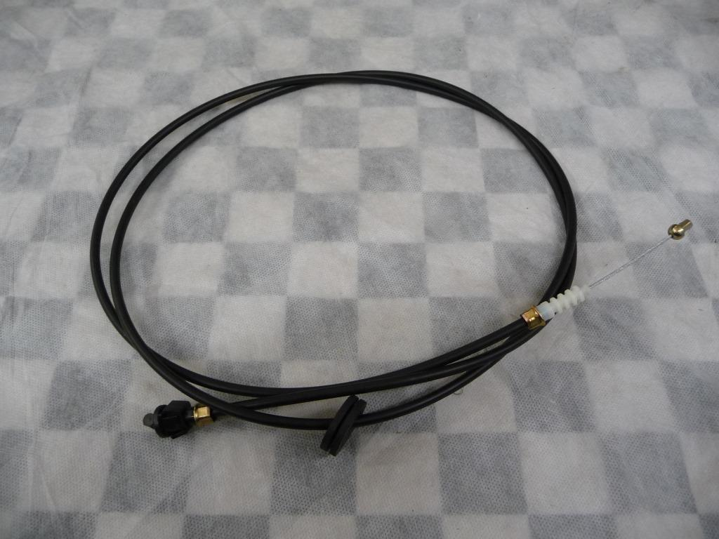 2004 2005 2006 2007 2008 2009 2010 2011 Maserati Quattroporte M139 Front Hood Opening Cable 67061600 OEM A1