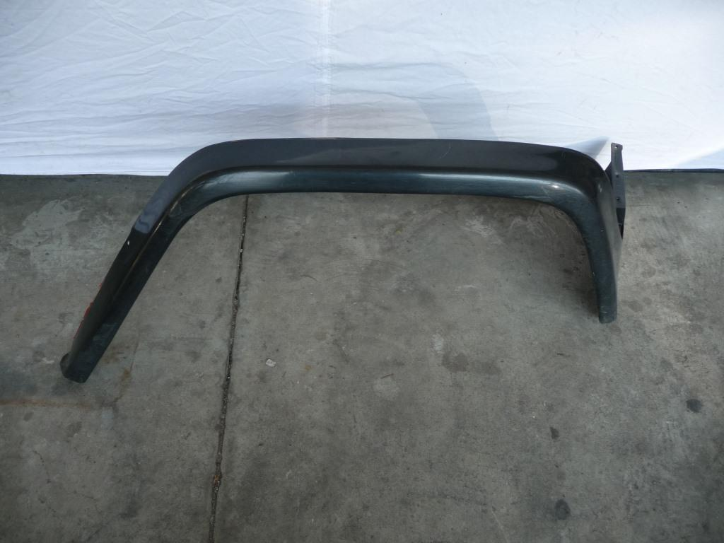 Mercedes Benz G Class Front Right Passenger Side Fender Flare A4638800706 OEM A1