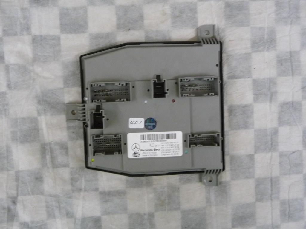 Mercedes Benz E Class Control Unit A2139005215 OEM A1