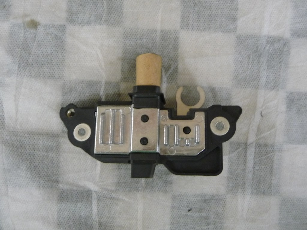 Mercedes Benz C Class Voltage Regulator A0031549806 OEM A1