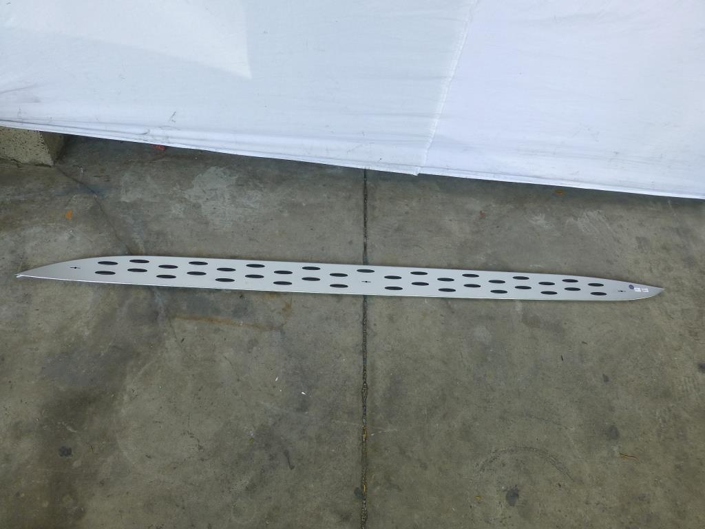2012 2013 2014 2015 2016 2017 Mercedes Benz W166 GLE350 GLE400 GLE550e ML250 ML350 ML550 Running Board Step Plate Left 1666900375 OEM A1