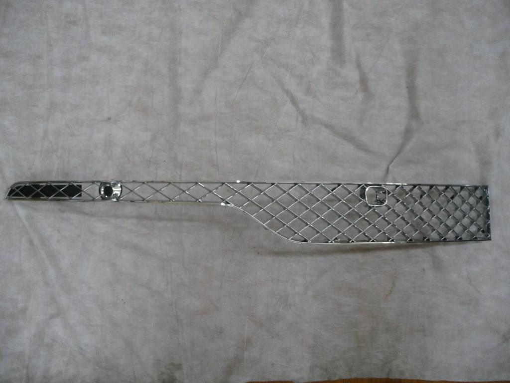 2017 Bentley BY636 Bentayga Front Bumper Chrome Grille Left 36A807675 OEM OE