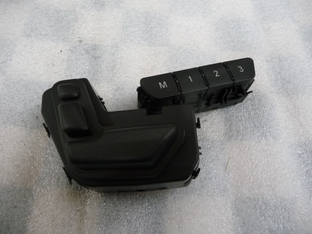 Mercedes Benz CLA GLA Class Front Left Seat Adjuster Switch A2469050251 OEM A1