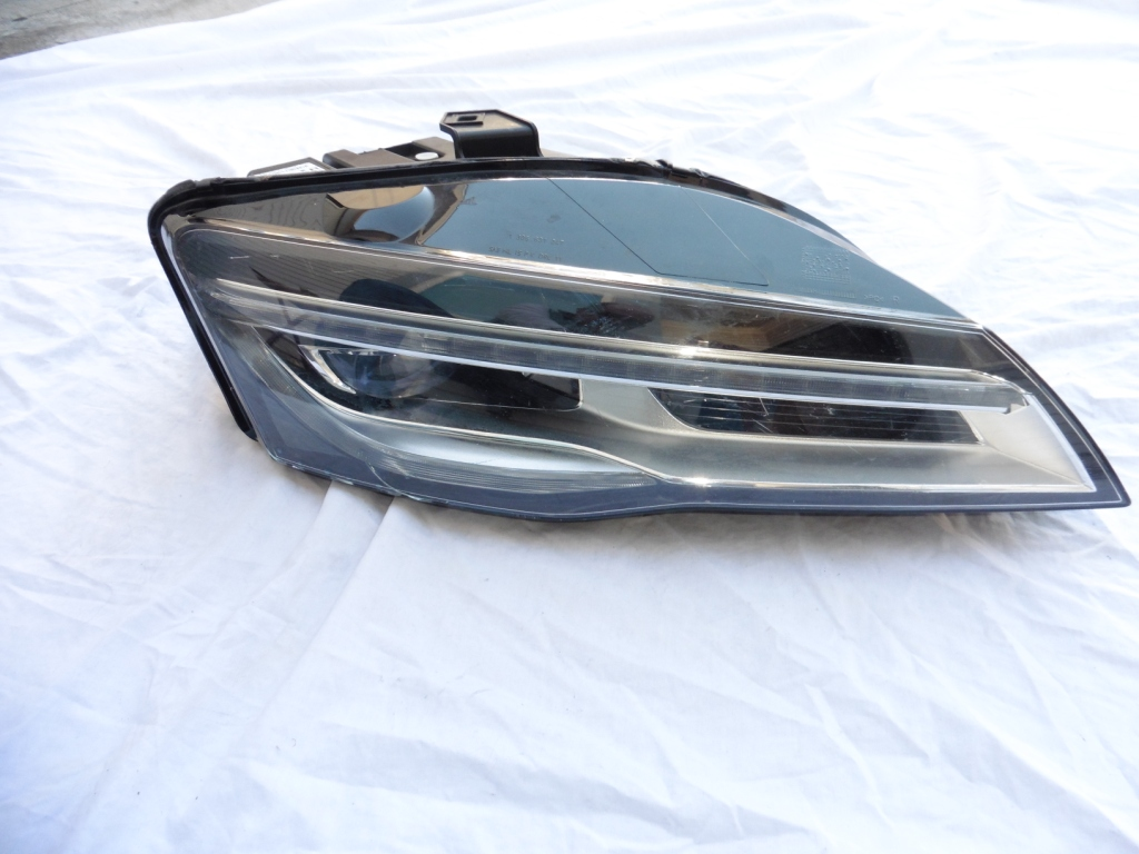 2015 Audi R8 LED Headlight Right Passenger Side 420941004AC, For Parts OEM OE