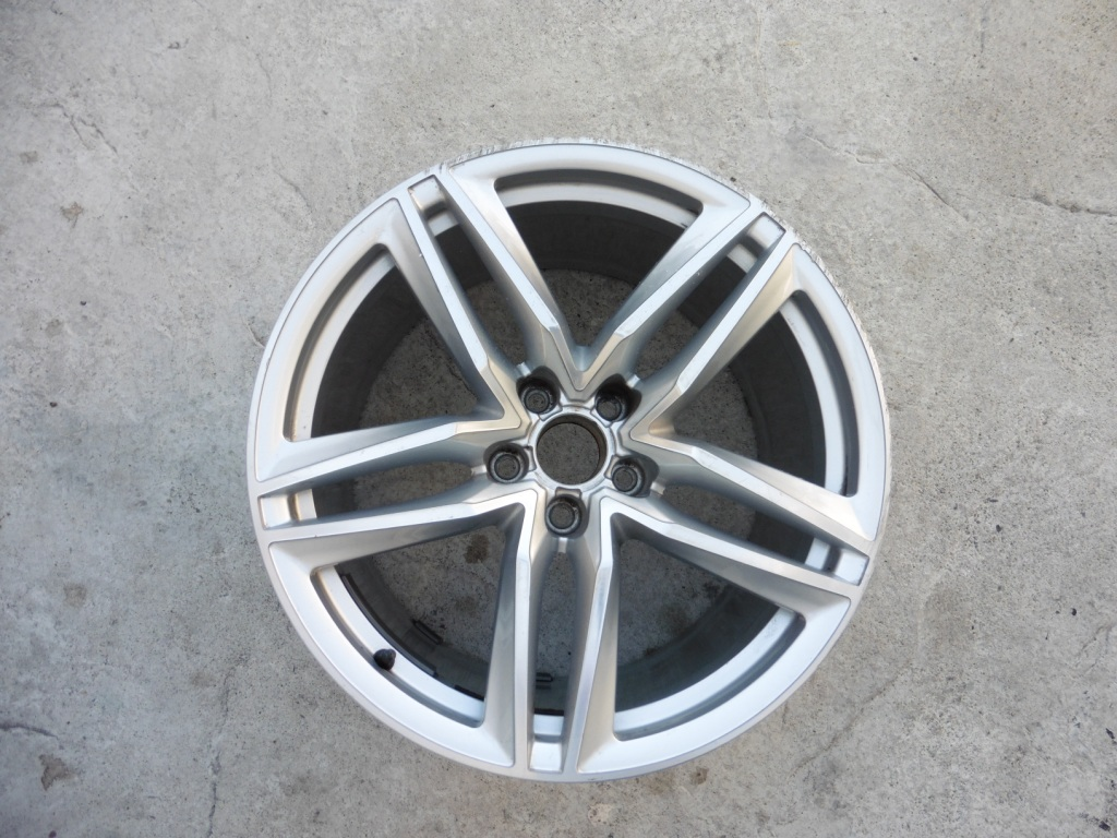 Audi R8 5 Double Spoke Rear Wheel Rim 19x11 420601025BG OEM A1