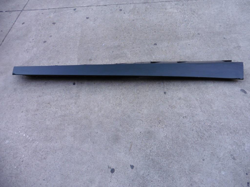 2012 2013 2014 2015 08 09 10 11 12 13 14 15 Audi R8 Right Passenger Side Rocker Moulding 420853856A OEM A1