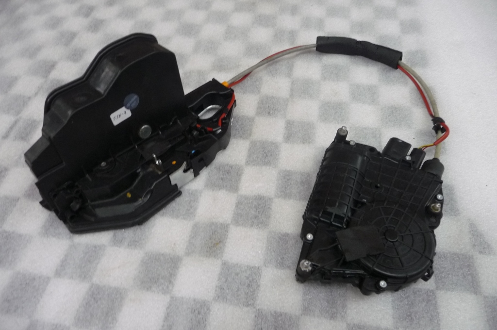 2013 2014 2015 2016 2017 BMW F06 640i 650i Gran Coupe Front Right Passenger Door Lock Actuator Motor 51217276544 OEM A1