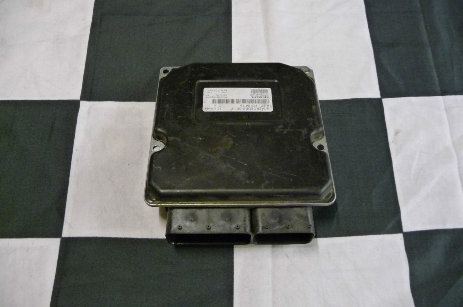 Mercedes Benz W203 Engine Control Unit C230  A 2711532779 OEM OE