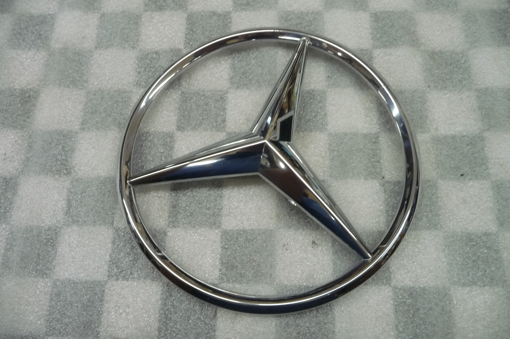 16-17 Mercedes Benz GLE Class Front Grille Emblem Badge Star A0008172116 OEM A1