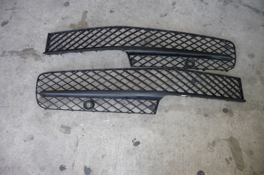 13-16 Bentley Flying Spur Front Bumper Lower Grille Left & Right Black 4W0807648M, 4W0807647M  - Used Auto Parts Store | LA Global Parts