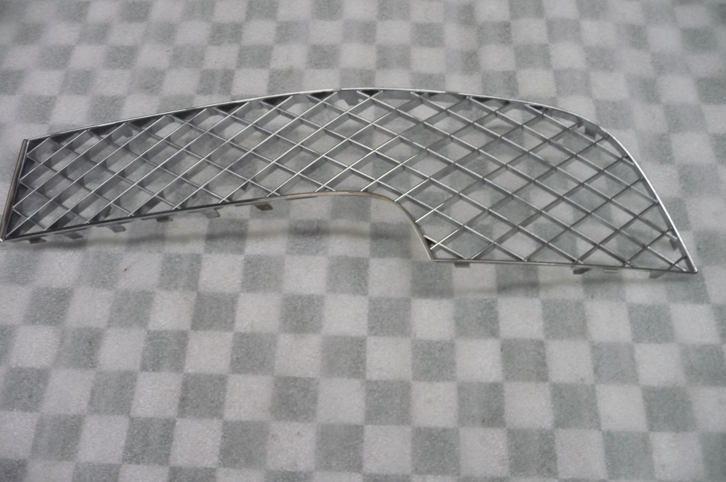 2012-2013 Bentley Continental GT GTC Front Bumper Right Grille 3W3807682 OEM A1