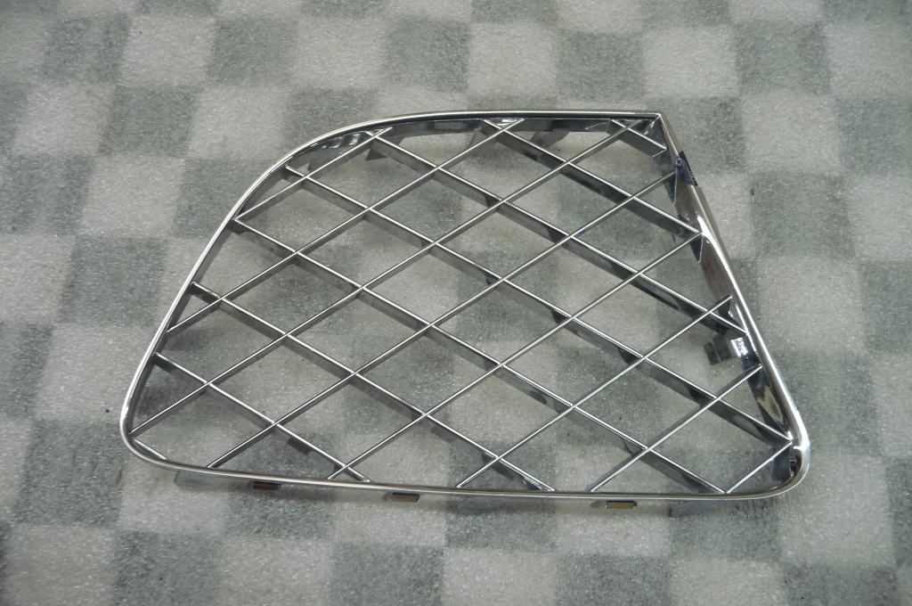 12-13 Bentley Continental GT GTC Front Bumper Right Grille 3W3807684 OEM A1