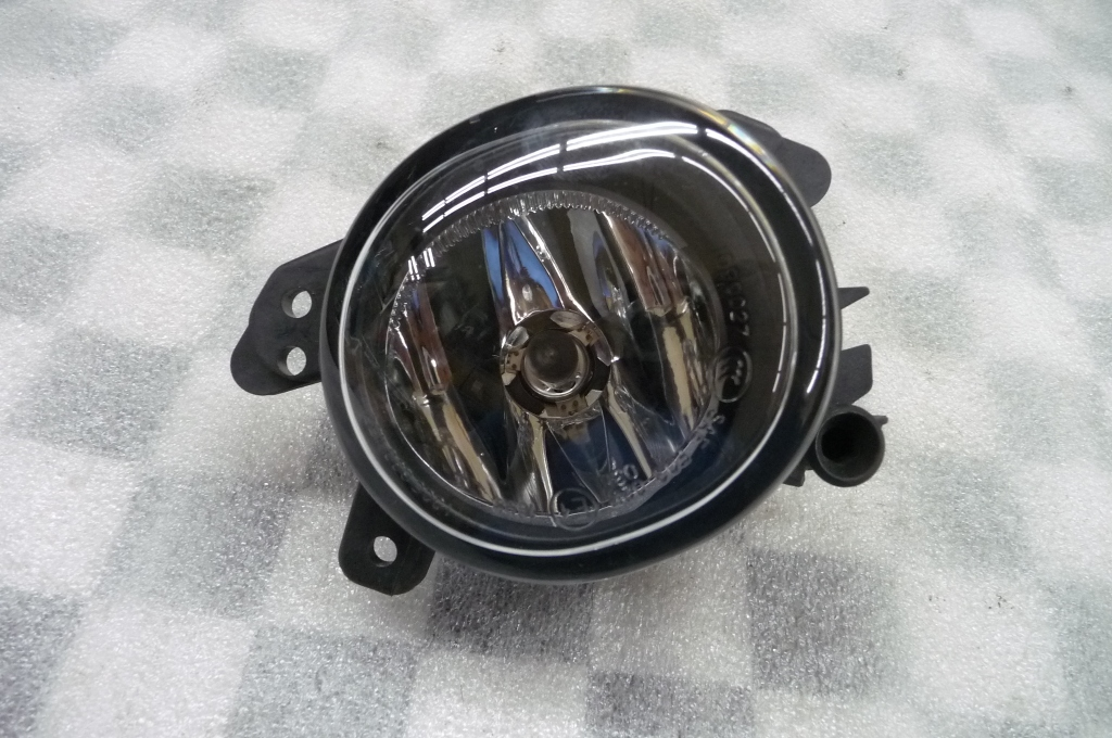 Mercedes Benz C CL CLS E GL GLA ML Front Left Fog Light Lamp A2518200756 OEM A1