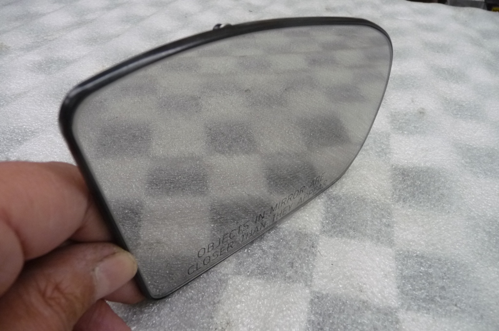 01-07 Mercedes Benz C Class Right Passenger Door Mirror Glass A2038101021 OEM A1