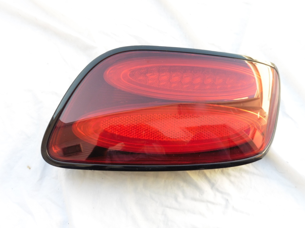 2014 2015 Bentley Continental GT GTC Right Passenger Side Taillight lamp 3W3945096AC - Used Auto Parts Store | LA Global Parts