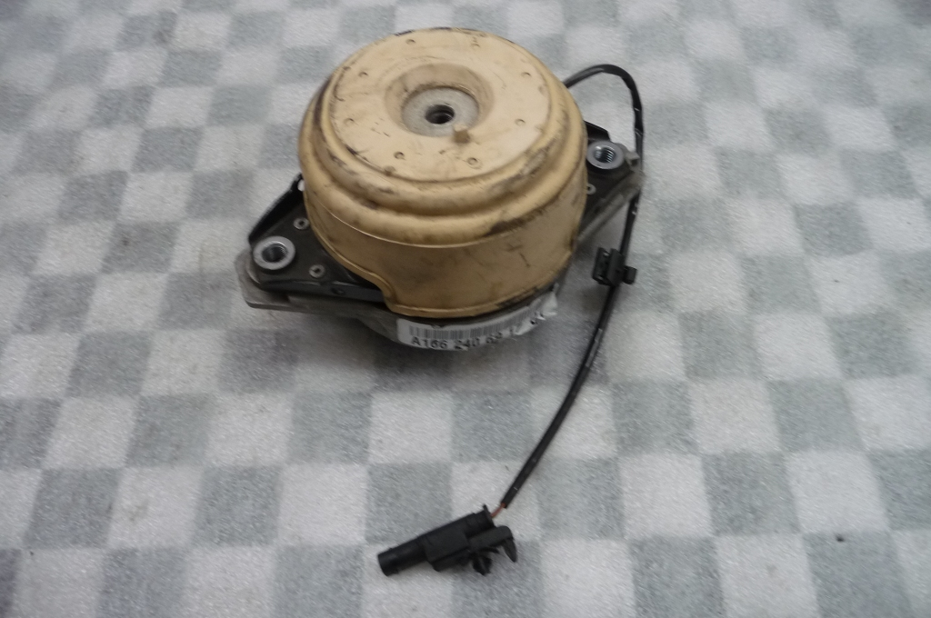 2013 2014 2015 2016 2017 Mercedes Benz GL350 GLS350d Engine Motor Mount Right A1662406917 OEM OE