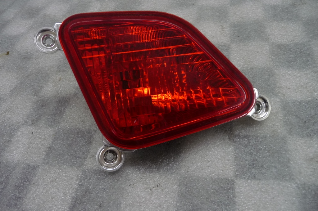 2011 2012 2013 2014 2015 Ferrari 458 Italia Spider Rear Right RH Fog Light Lamp 081900700 OEM