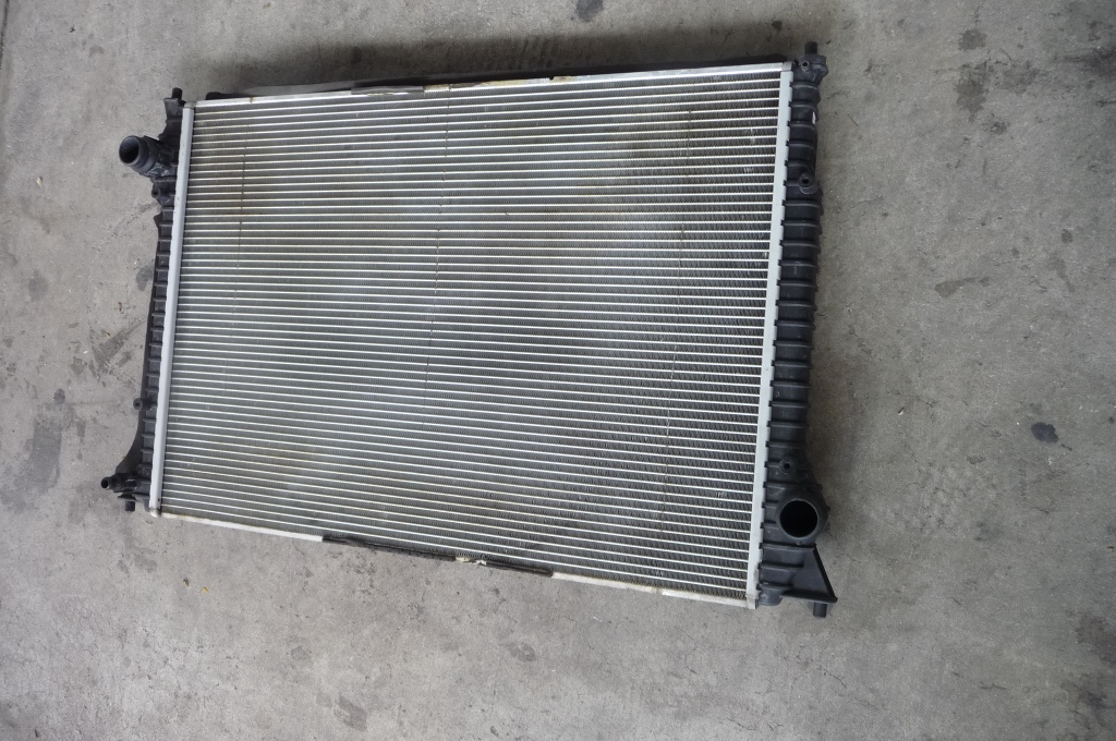 2012-2016 Bentley Continental GT GTC Engine Radiator Cooler for Coolant 3W0121253C OEM