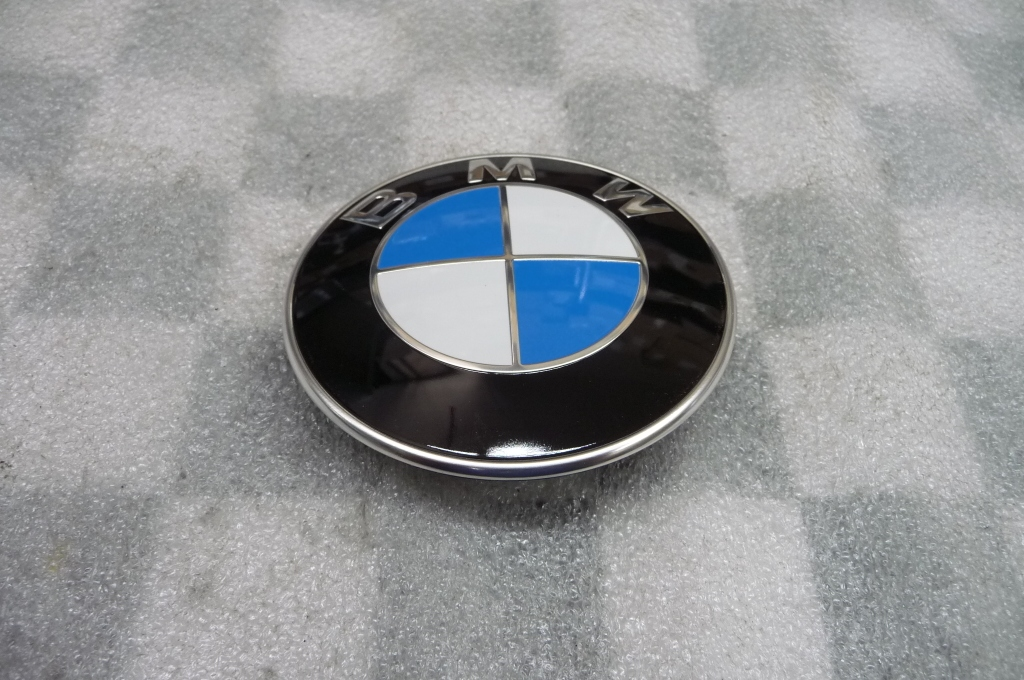 1992 1993 1994 1995 1996 1997 1998 1999 2000 2001 2002 2003 2004 2005 2006 2007 2008 2009 2010 2011 2012 2013 2014 2015 2016 2017 BMW E87 E88 E82 E46 E60 E92 E91 X1 X3 X4 X5 X6 Z3 Z4 Front Hood Rear Trunk Emblem Logo Badge 51148132375 ; 51141866629 ; 51141872324 OEM OE