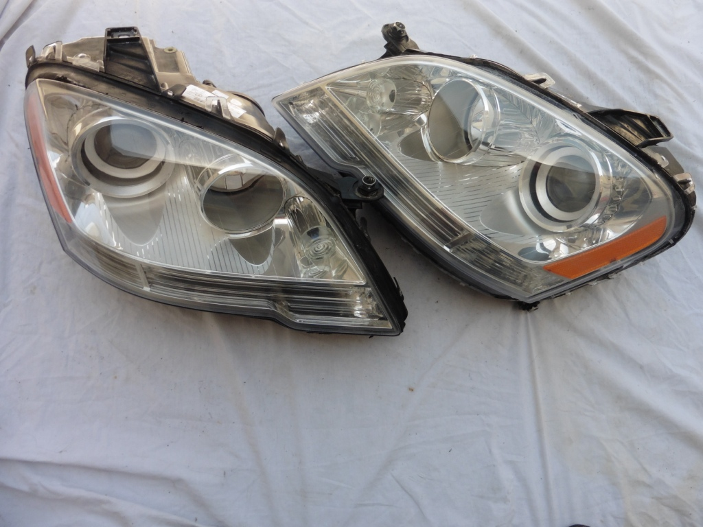 2009 2010 2011 Mercedes Benz ML W164 Front Left and Right Headlight Head lamp Halogen A1648202359; A1648207161; 1648202359; 1648207161; A1648202459; 1648202459; 1648207261; A1648207261