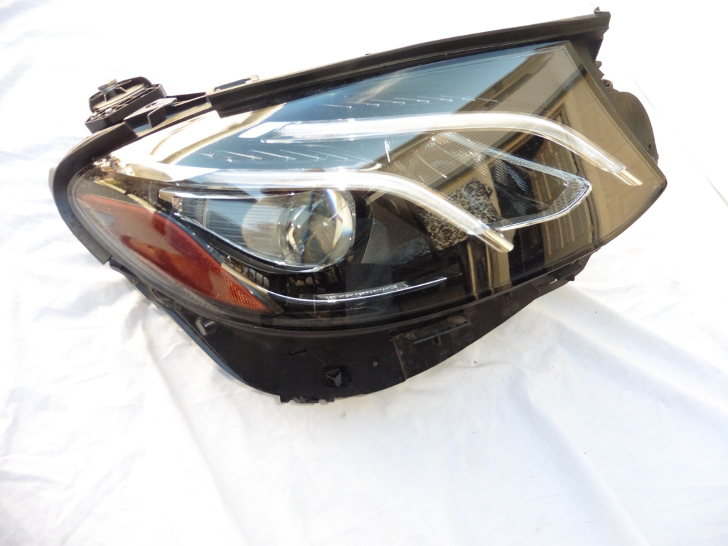2017 Mercedes Benz E-Class W213 Passenger Right LED Headlight 2139069403 OEM