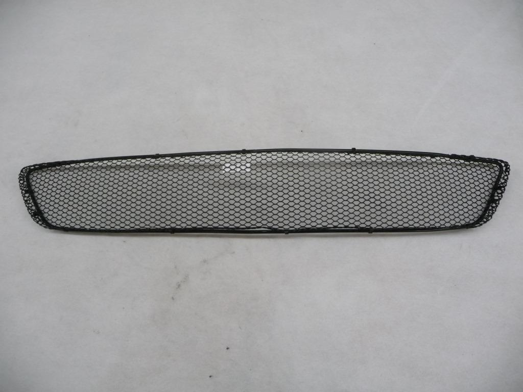 2003 2004 2005 Mercedes Benz CLK Class Front Bumper Center Lower Grille A2098850053 2098850053