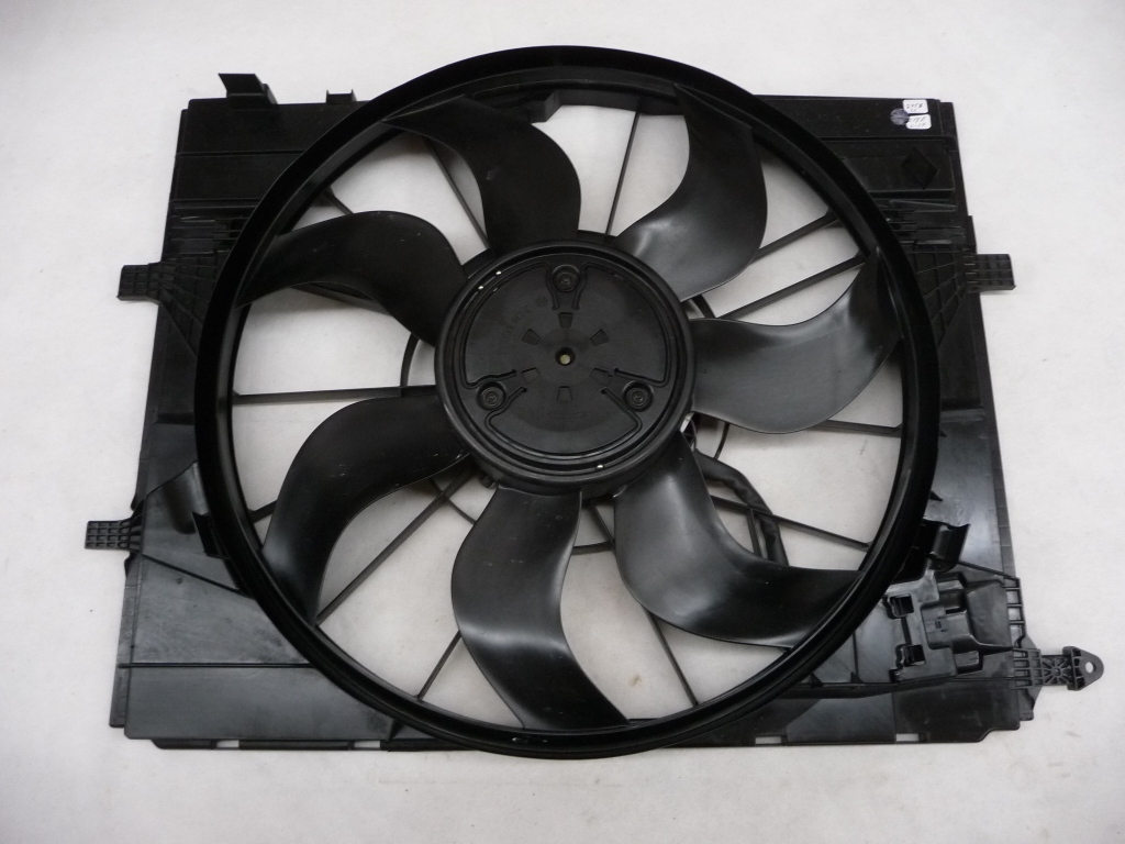 2016 2017 Mercedes Benz E300 E43 AMG GLC300 Radiator Cooling Fan Assembly A0999061401 OEM OE