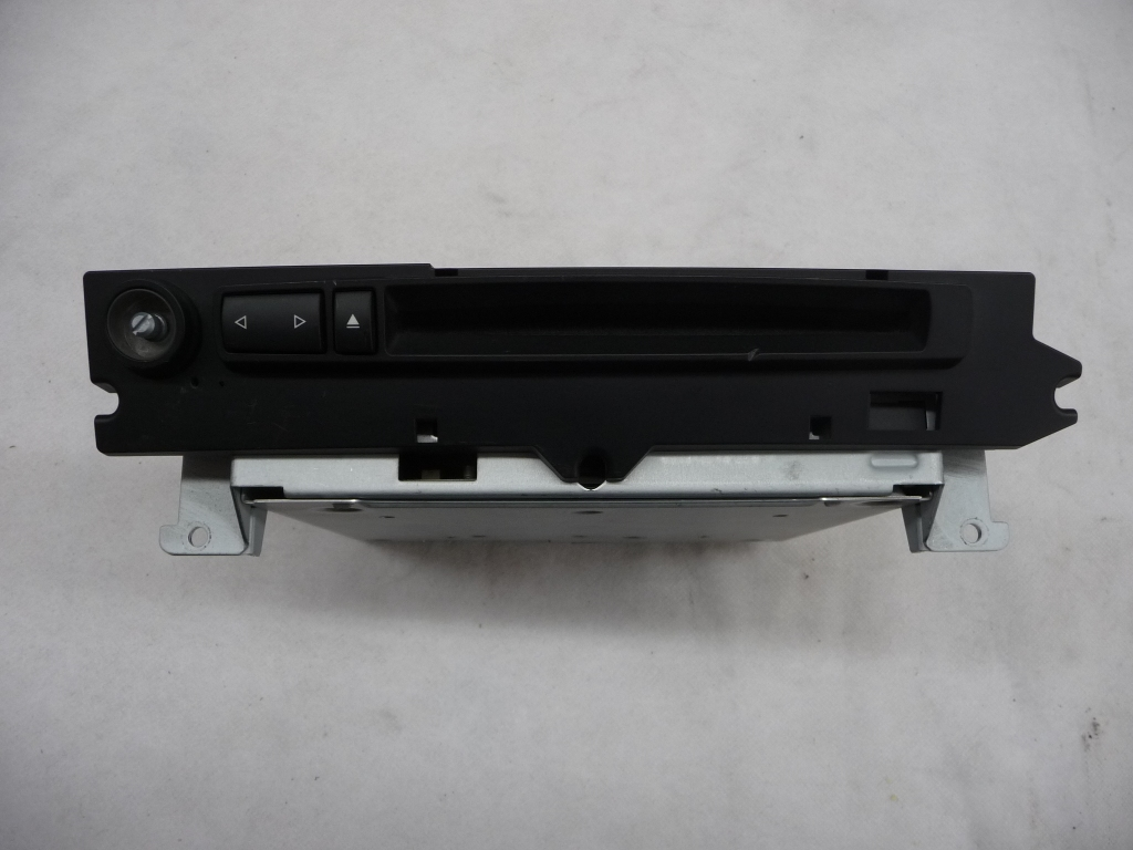 2004 2005 2006 2007 BMW E60 525i 530i 545i M-Audio System Controller CD Disc Player Changer 65126944109 OEM OE