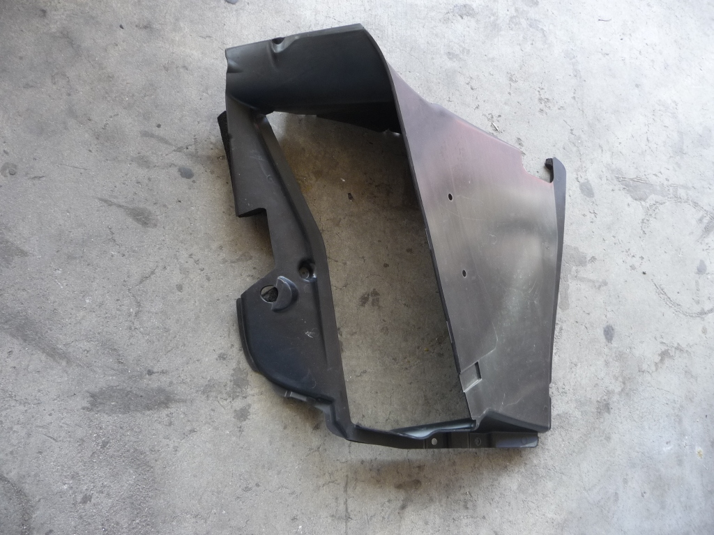 2016 2017 2018 Ferrari 488 GTB Spider Left Radiator Lower Duct Vent 86730200 OEM