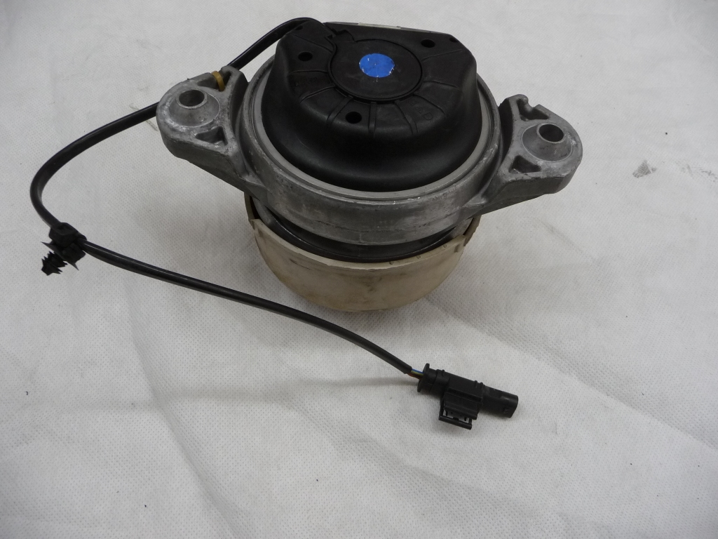 2012 2013 Mercedes Benz S350 Front Right Passenger Side Engine Motor Mount A2212404817 OEM OE
