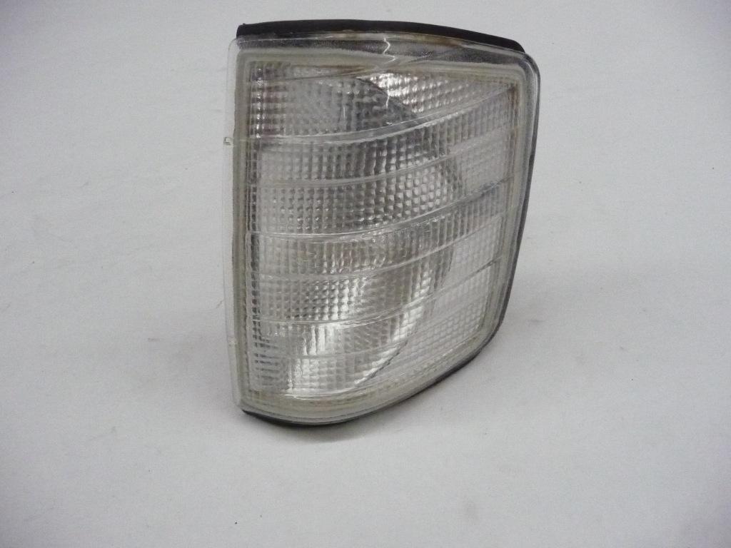 1984 1985 1986 1987 1988 1989 1990 1991 1992 1993 Mercedes Benz 190D 190E Left Front Indicator Light Blinker Lamp Aftermarket 440-1503L-C