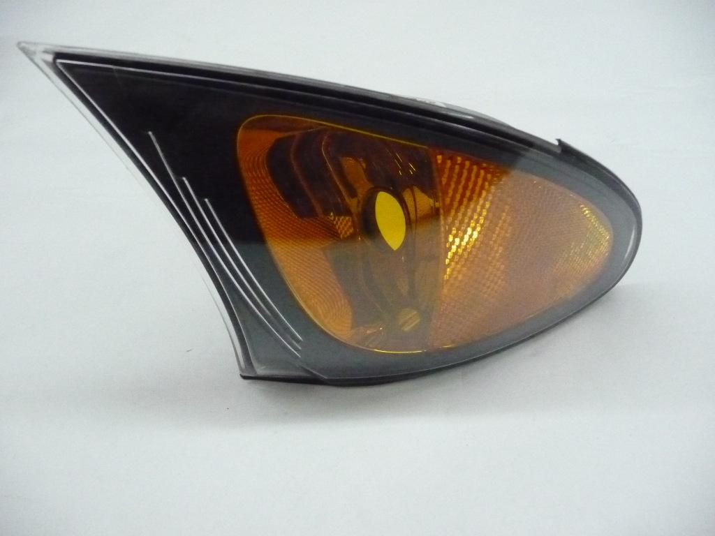2002 2003 2004 2005 BMW E46 325i 325xi 330i 330xi Right Passenger Side Turn Signal Lamp Indicator Light, Yellow 63136915382 ; 63137165860 ; 63136943120 OEM OE