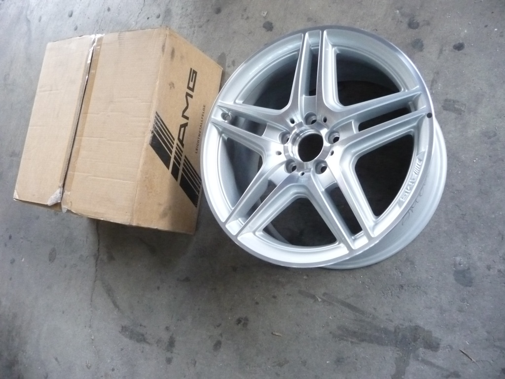 "2008 2009 2010 2011 2012 2013 2014 2015 Mercedes Benz W204 C250 C300 C350 AMG 5-Twin-Spoke 18"" Rear Wheel Rim A2044014202 80 ; A2044014202 OEM OE"