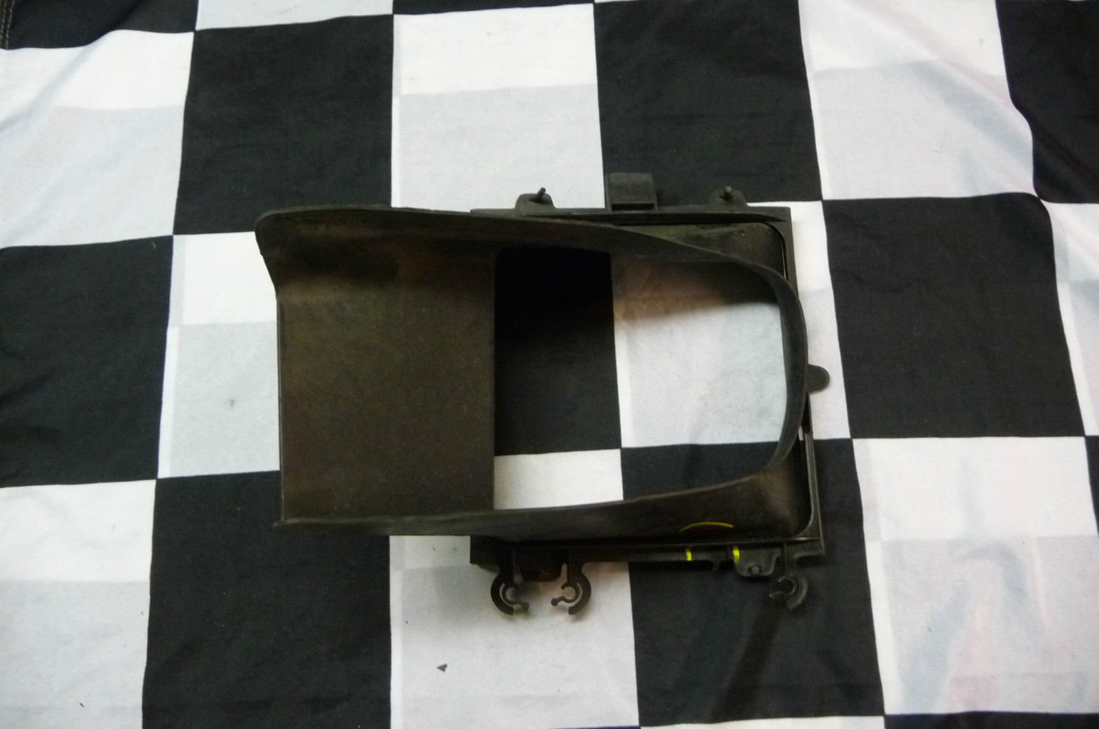 2011-2012 Bentley Continental GTC Left Air Duct Cooler Cooling System 3W0121467B - Used Auto Parts Store | LA Global Parts