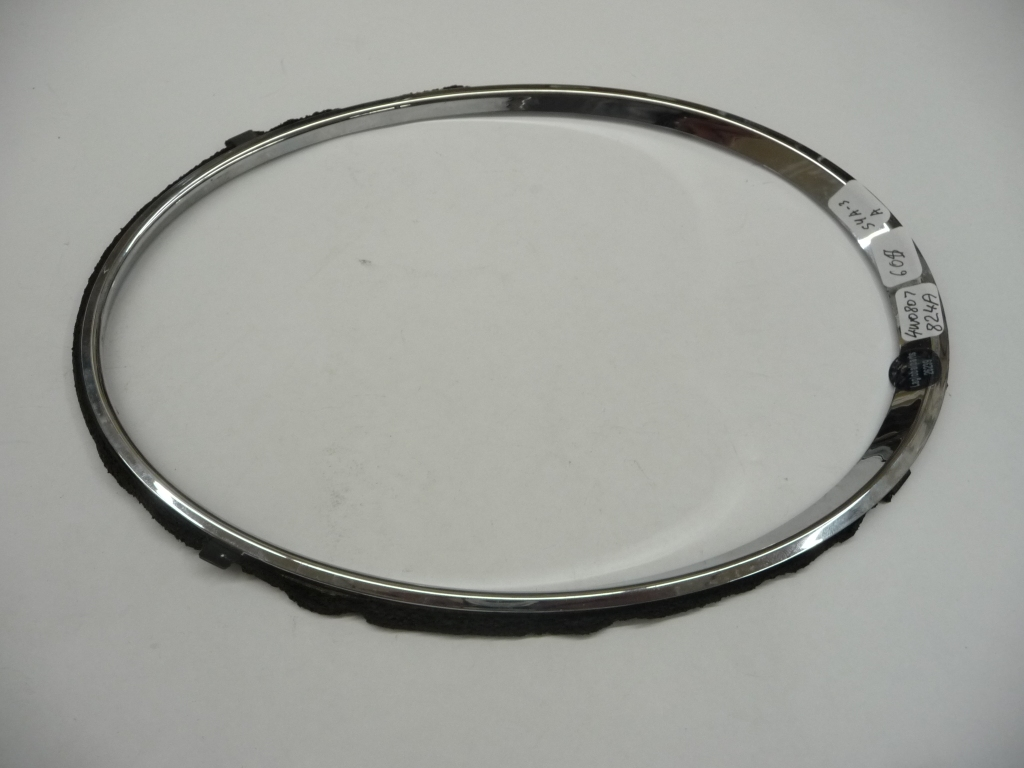 2013 2014 2015 2016 2017 2018 Bentley Flying Spur Right Passenger Side Headlight Outer Chrome Ring Trim 4W0807824A OEM OE