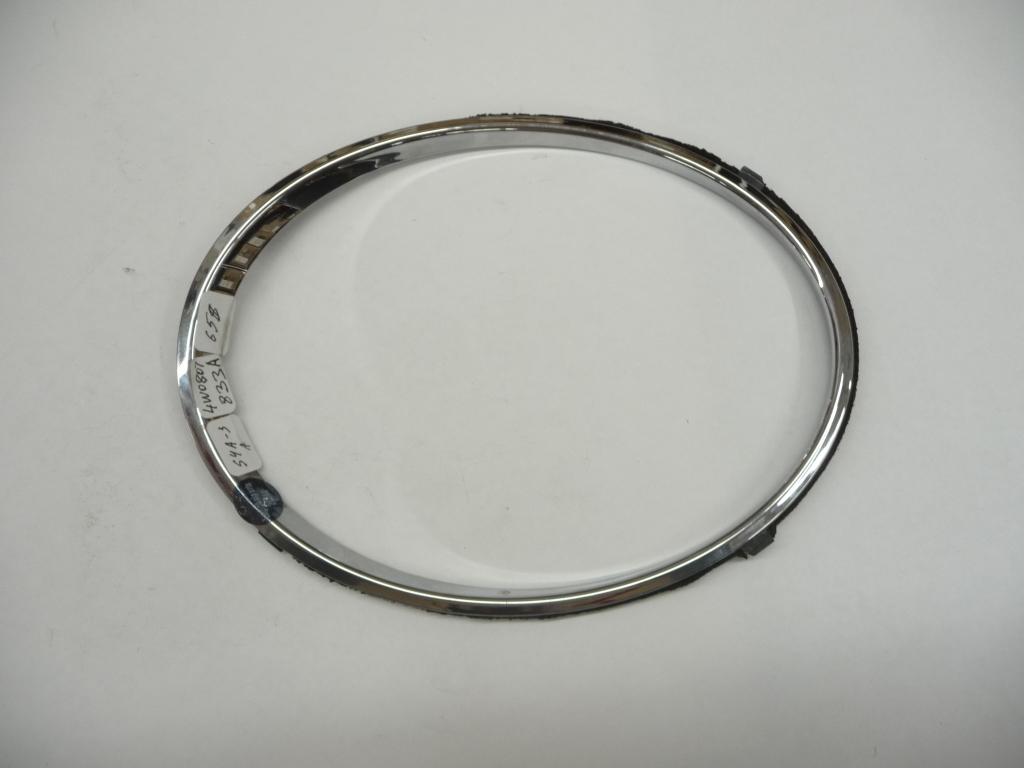 2013 2014 2015 2016 2017 2018 Bentley Flying Spur Left Driver Side Headlight Inner Chrome Ring Trim 4W0807833A OEM OE