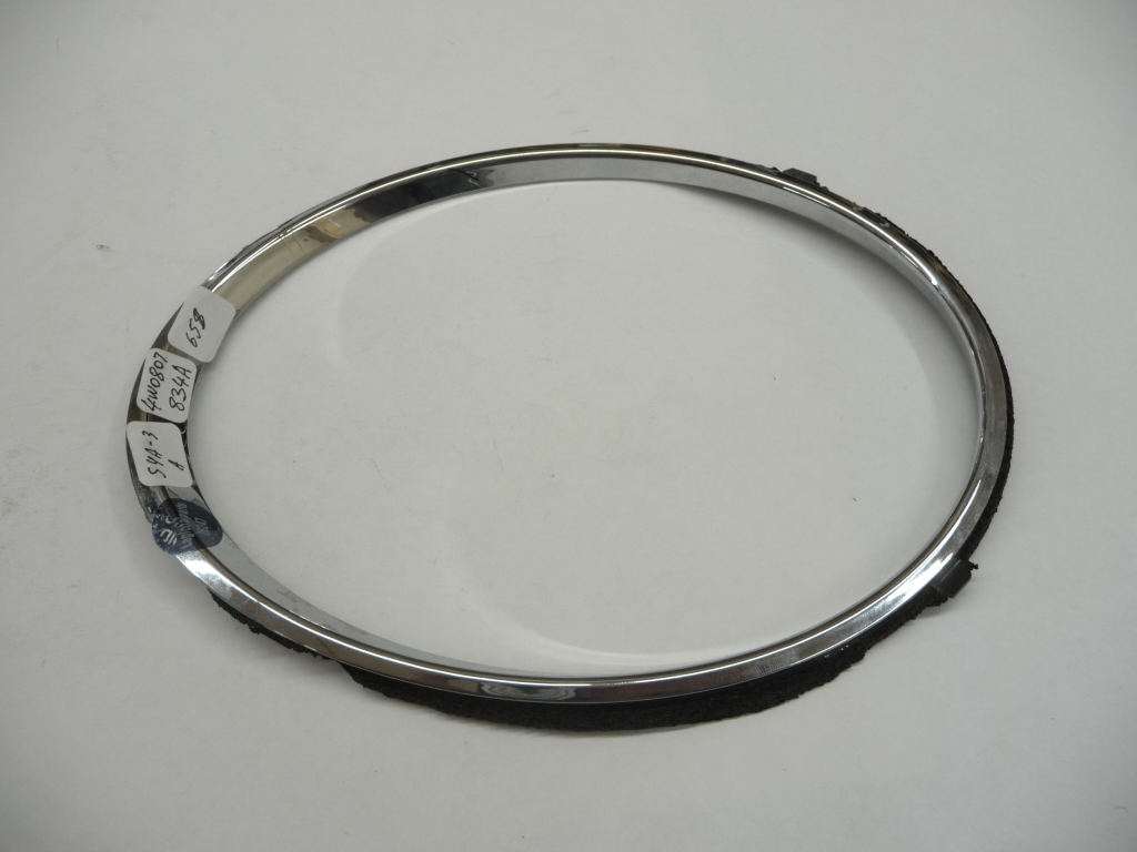 2013 2014 2015 2016 2017 2018 Bentley Flying Spur Right Passenger Side Headlight Inner Chrome Ring Trim 4W0807834A OEM OE