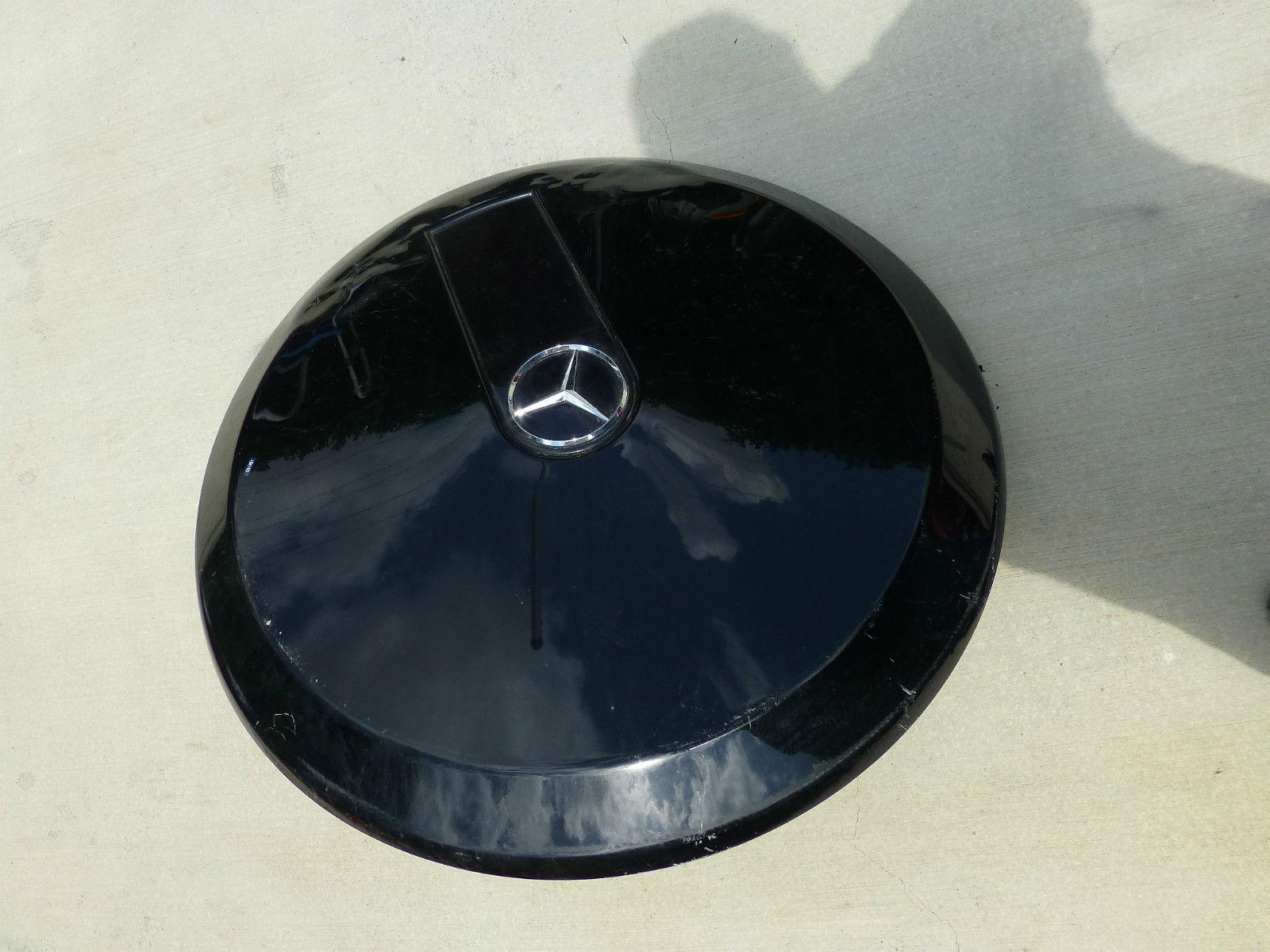 Mercedes Benz G Wagon W463 Spare Tire Carrier-Cap with badge plate 4638981409