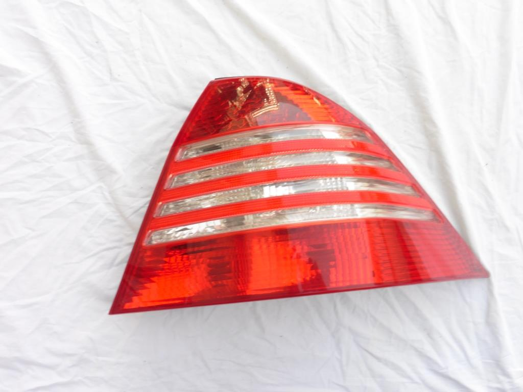 2003 2004 2005 2006 Mercedes Benz S430 S500 S600 W220 Rear Right Passenger Taillight 2208200864; A2208200864 OEM OE