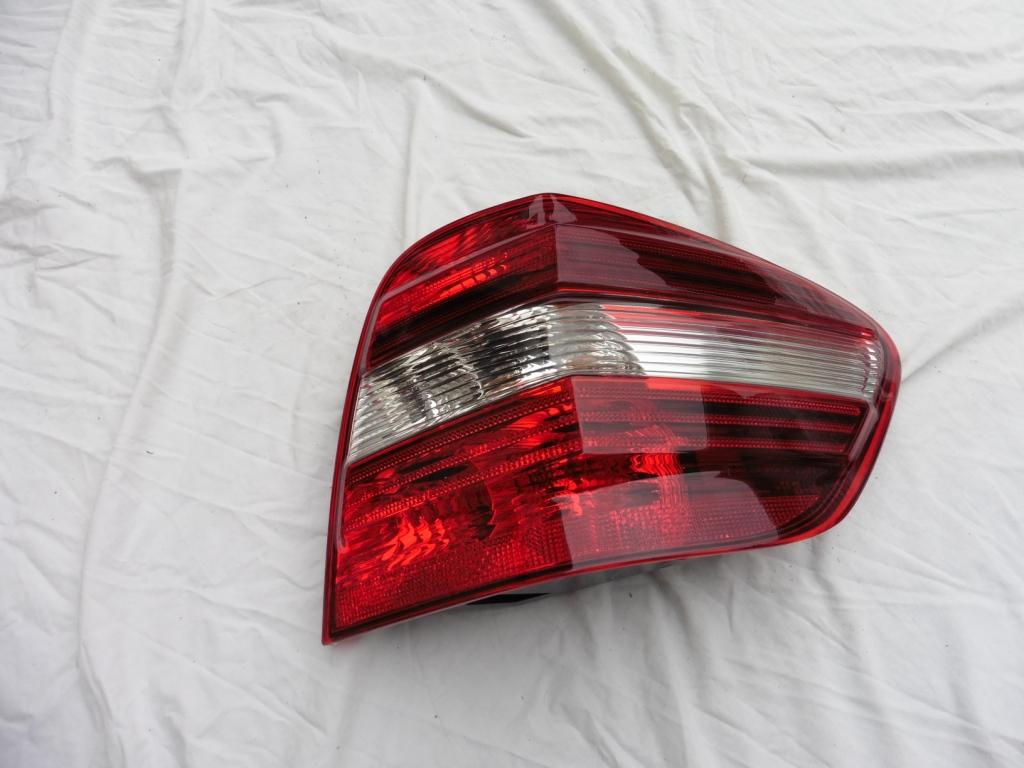 2010 2011 Mercedes Benz W164 ML350 ML450 ML550 Rear Right Passenger Side Tail Light Lamp A1649060800 OEM OE