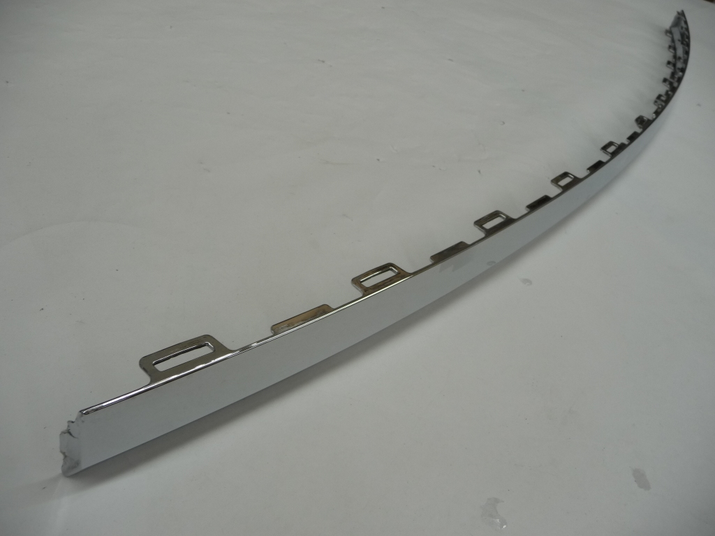 2017 2018 Bentley Bentayga BY636 Rear Bumper Center Chrome Molding Trim 36A807725 OEM OE