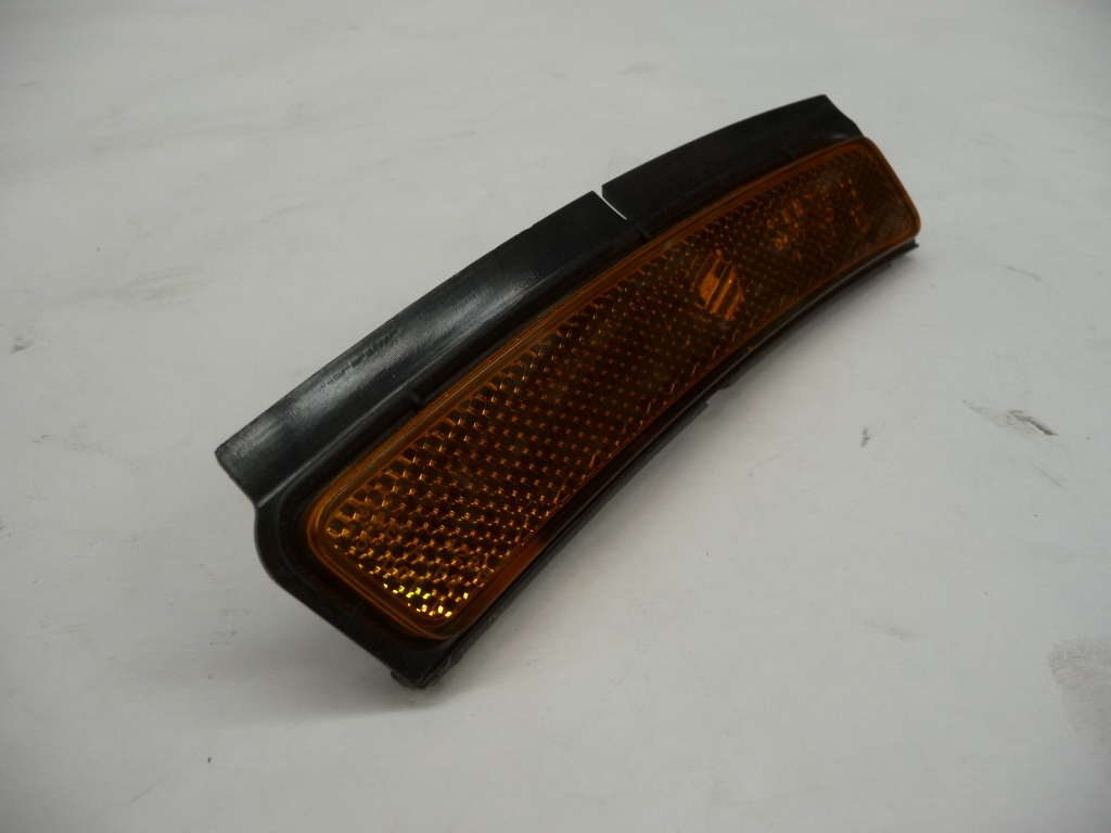 2017 2018 Bentley Bentayga Left Driver Side Marker Light 36A945071A OEM OE