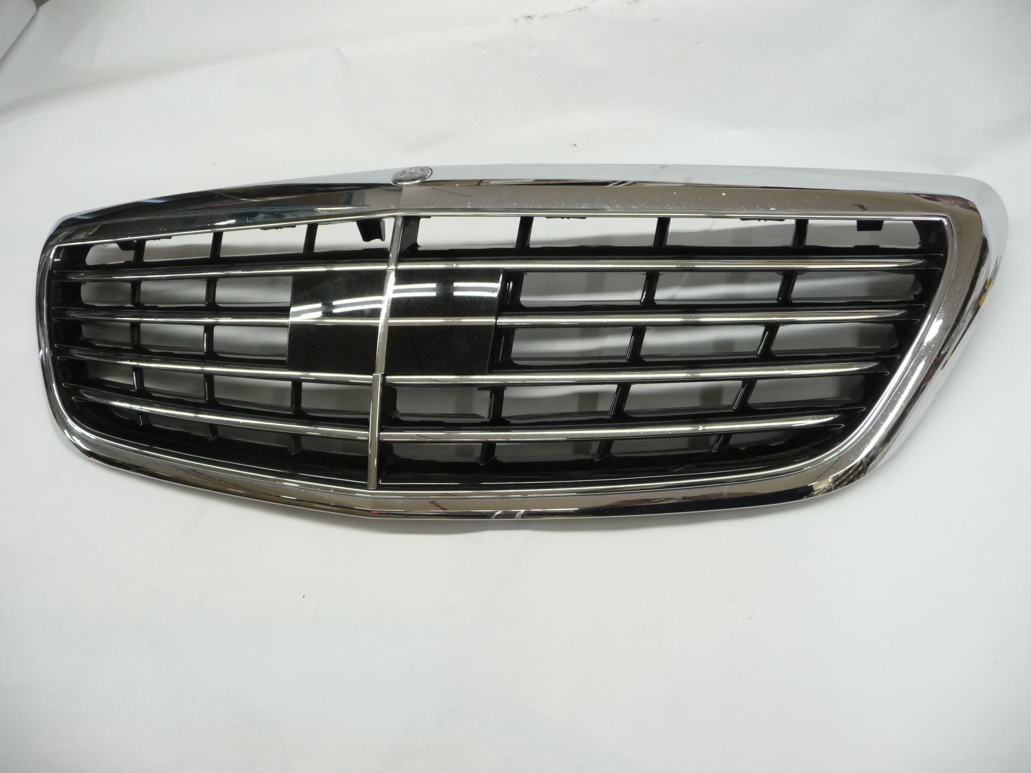 2014 2015 2016 2017 Mercedes Benz S550 W222 Front Grille w/Distronic Control option, w/o Surrounding Camera 2228800183 OEM OE