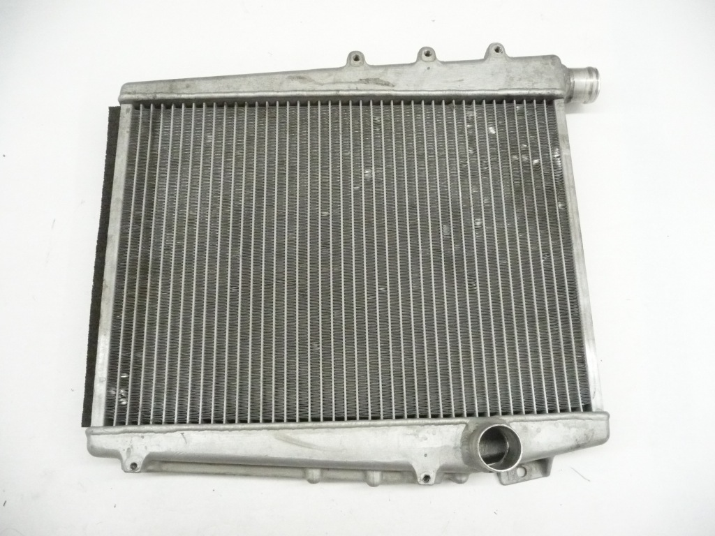 2010 2011 2012 2013 2014 Lamborghini Gallardo LP560 LP570 Right Water Radiator Cooler 400121252D OEM OE