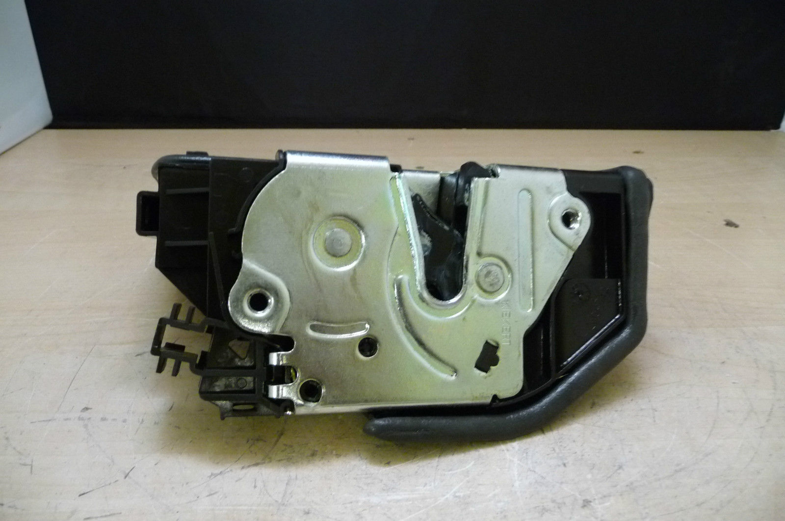 BMW 1 3 5 6 7 Series X3 X5 X6 Z4 Door Lock system Front Right 51217202146 OEM OE
